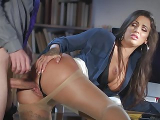 Milf gets laid in front office with the new guy