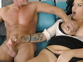 office milf gets laid with her senior Mr Big brass