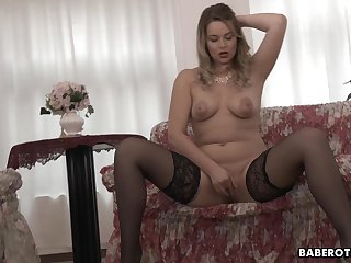 Girl with big tits, Nikky Arrivisme is masturbating