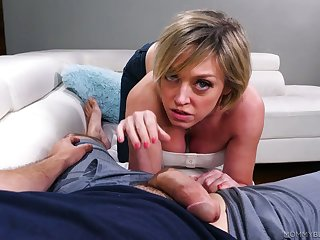 Mega juggy bitch Dee Williams slobbers over a massive broad in the beam dong