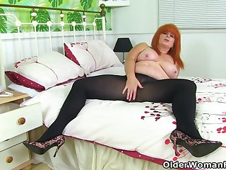 British milf Upper-cut Tiger toys her racy cunt