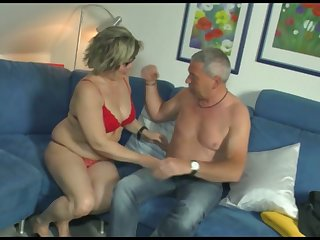 Grown up woman gives her head and gets her pussy nailed hard