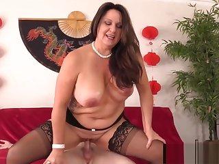 Curvy Older Abstruse Woman Leylani Wood Mounts a Hard Cock