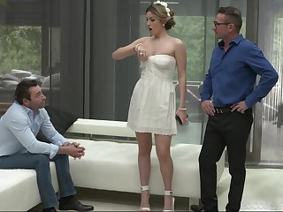 Brunette Marica Chanel knows how down go to two dicks within reach the same time