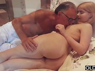 legal yo lady smooching and pokes her step daddy anent his bedroom