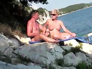 Reife MILF stamina Spass im Urlaub
