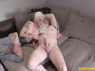 Blonde Barbie Bangs gets her wet cunt fucked in hammer away stranger's room